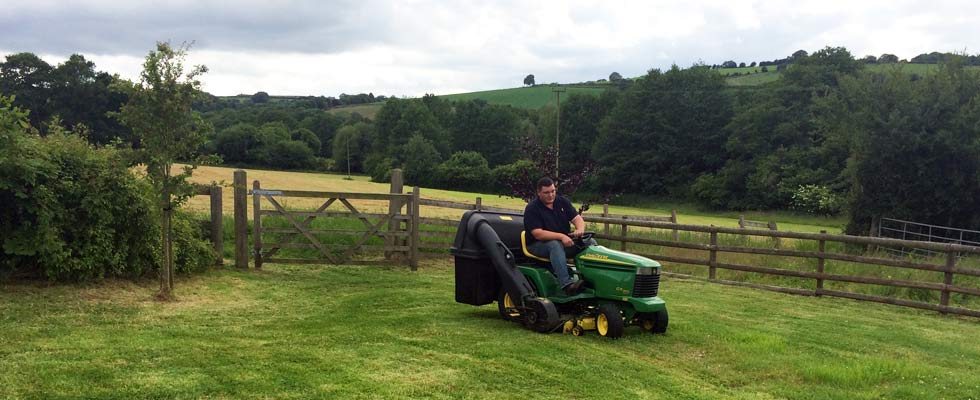 woodfield-wales-mowing-slider-1
